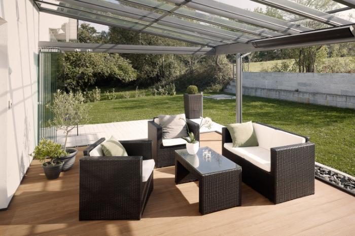Terrasse beinahe ganzjährig nutzen durch Glashaus
