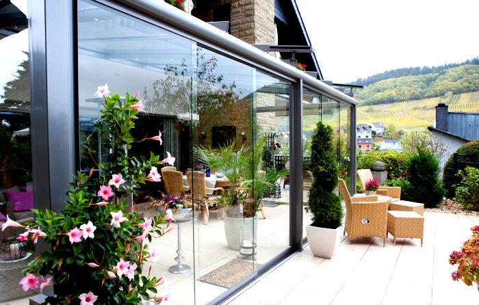Terrassenüberdachung mit Glaselementen