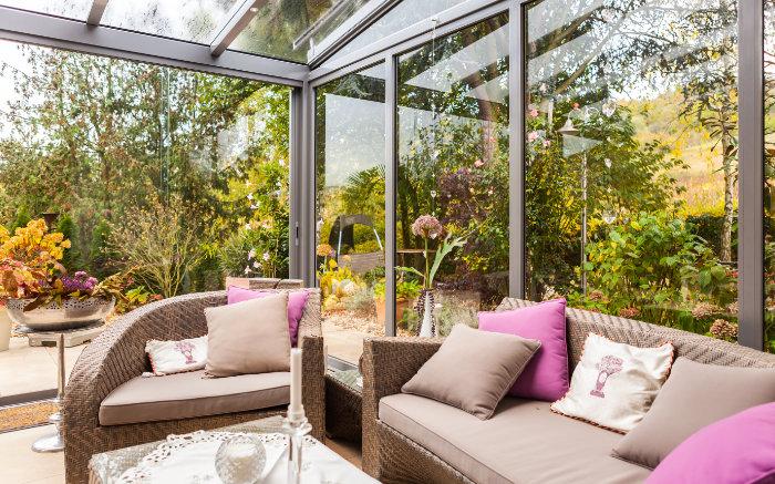 Gartentraum mit Glashaus an der Mosel